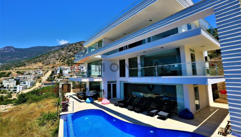 Sea view real estate near the beach with terrace in Kalkan