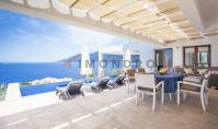 KS-140, Sea view real estate with terrace and pool in Kas