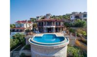 KS-156, Sea view villa with terrace and pool in Kas