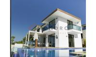 KS-159, Sea view villa with terrace and pool in Kas
