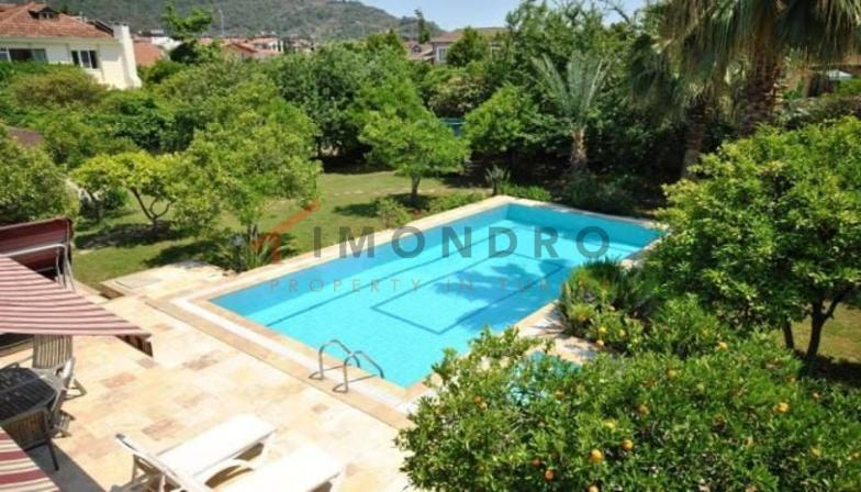Villa near the sea with mountain panorama and pool in Kemer Centre