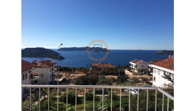 Sea view apartment with balcony and separated kitchen in Kas
