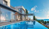 BO-135, Sea view real estate with terrace and pool in Bodrum