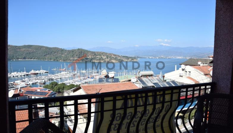 Sea view apartment with terrace and open kitchen in Fethiye