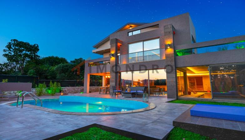 Mountain view villa with pool and terrace in Fethiye