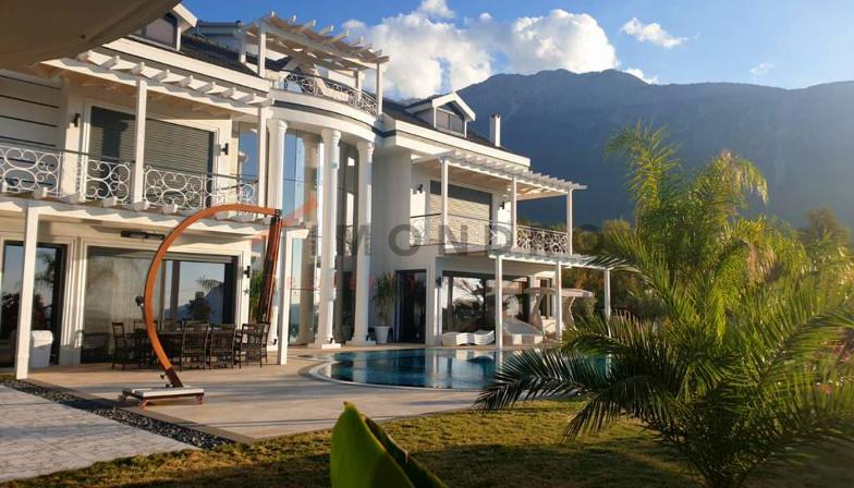 Mountain panorama real estate with pool and terrace in Fethiye